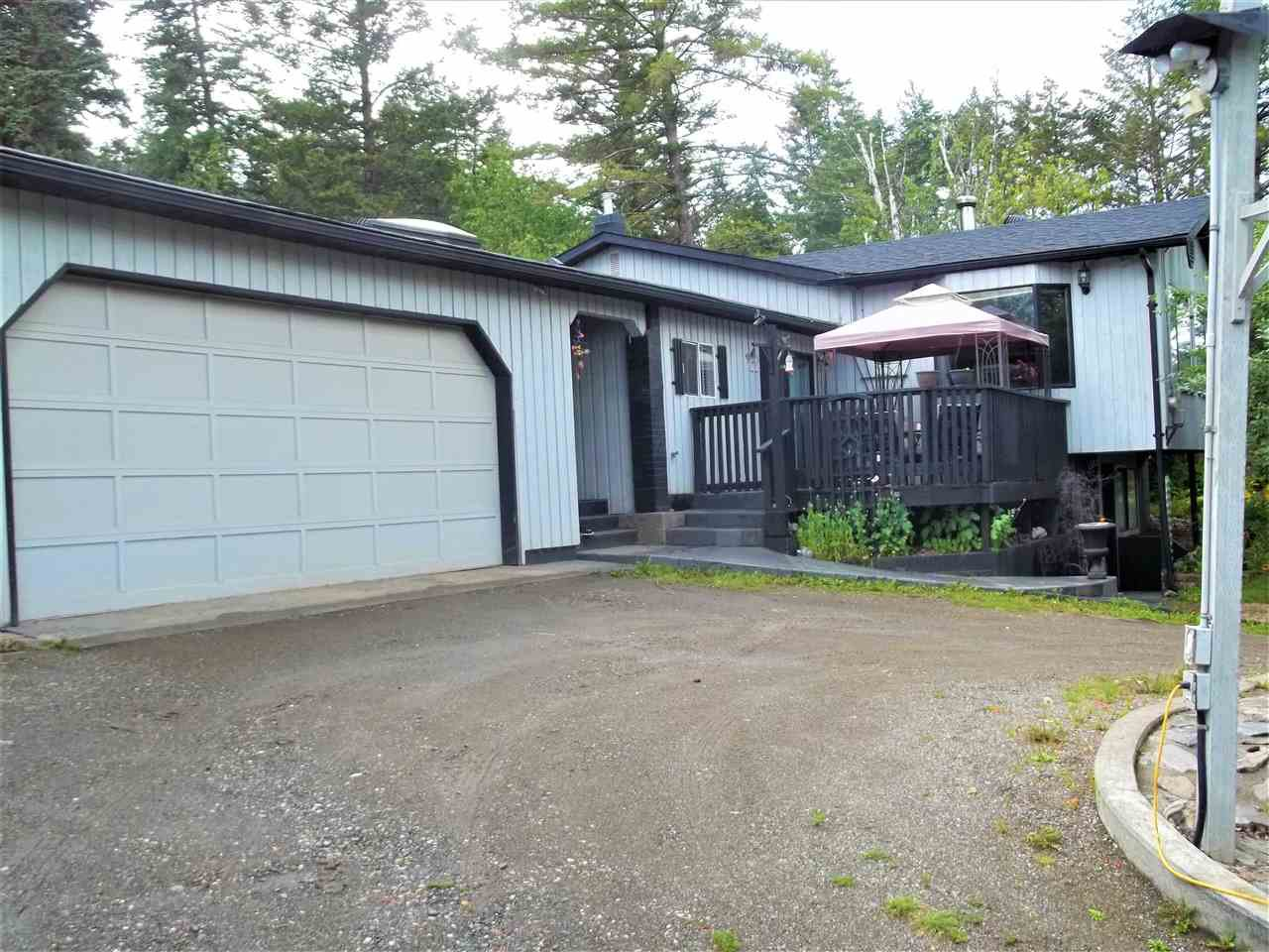 Main Photo: 525 HODGSON Road in Williams Lake: Esler/Dog Creek House for sale (Williams Lake (Zone 27))  : MLS®# R2394581