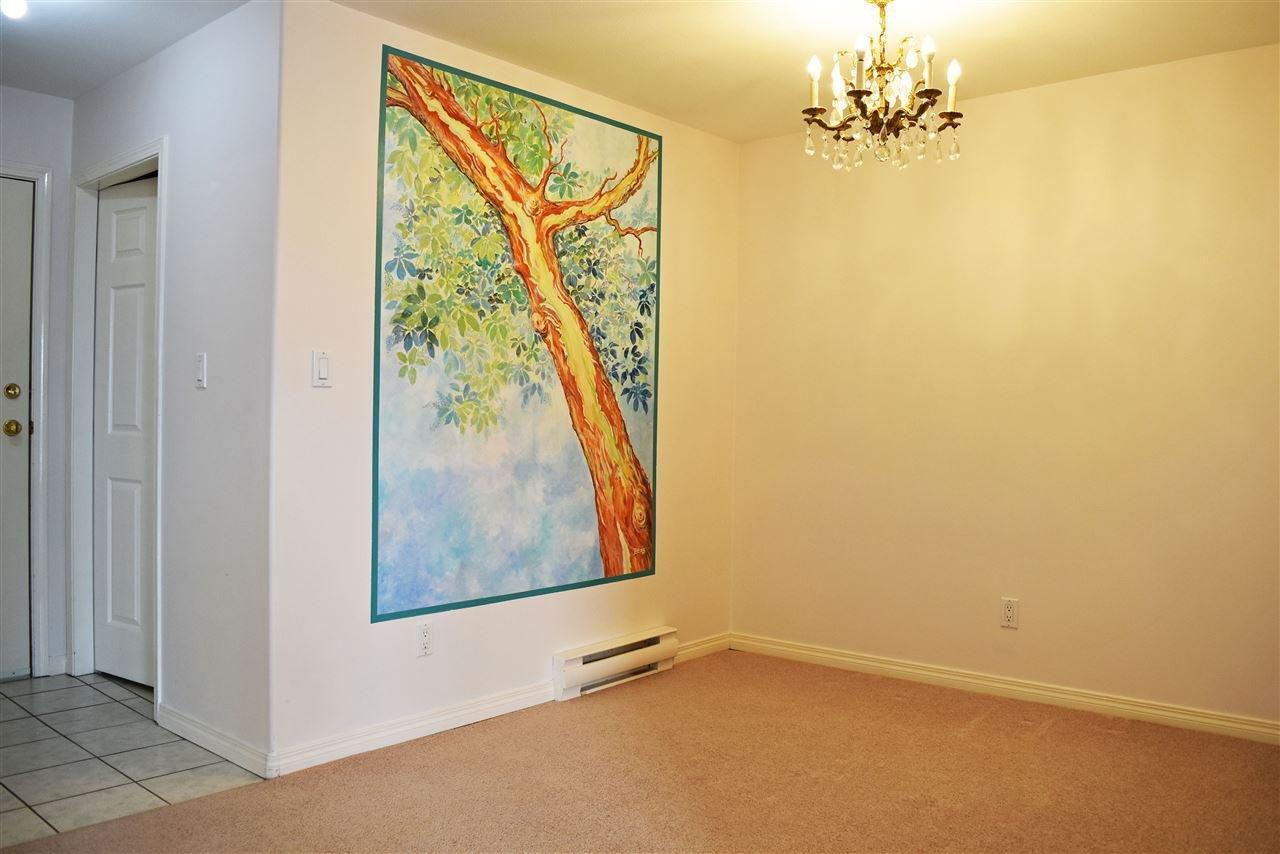 Photo 4: Photos: 206 5711 MERMAID Street in Sechelt: Sechelt District Condo for sale (Sunshine Coast)  : MLS®# R2419059