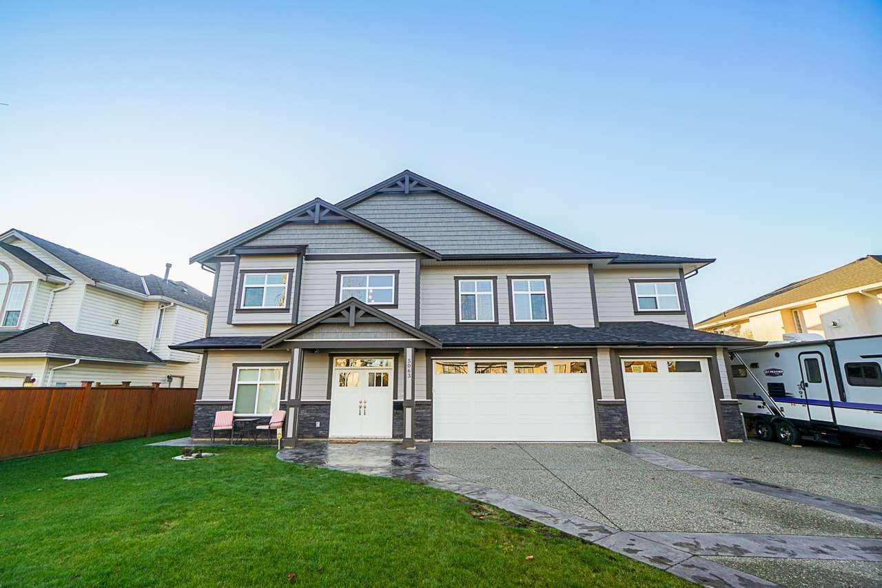 Main Photo: 5063 215 Street in Langley: Murrayville House for sale : MLS®# R2421226