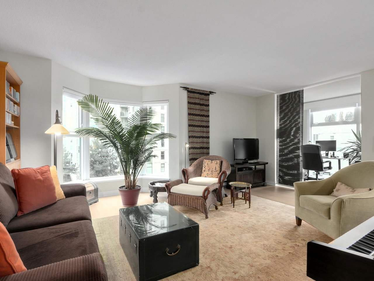 "Main Photo: A601 431 PACIFIC Street in Vancouver: Yaletown Condo for sale in ""Pacific Point"" (Vancouver West)  : MLS®# R2435432"