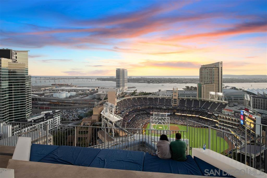 Main Photo: DOWNTOWN Condo for sale : 1 bedrooms : 321 10th Ave #1203 in San Diego