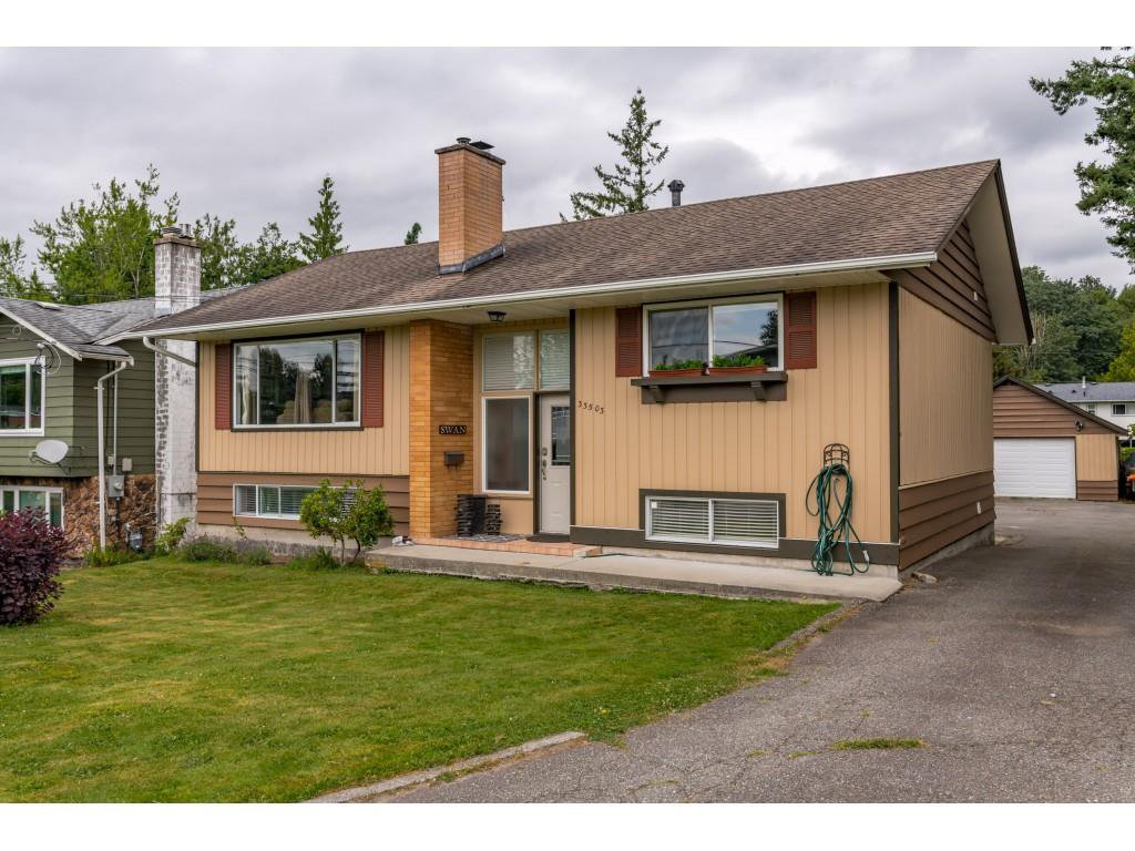 Main Photo: 33503 9 Avenue in Mission: Mission BC House for sale : MLS®# R2478636