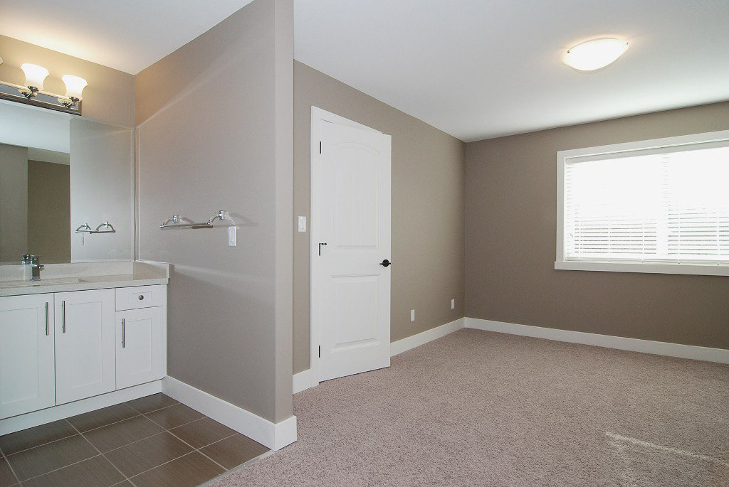 Photo 7: Photos: 21131 77a Ave in Langley: Willoughby Heights House for sale : MLS®# F1202366