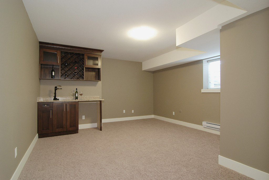Photo 8: Photos: 21131 77a Ave in Langley: Willoughby Heights House for sale : MLS®# F1202366