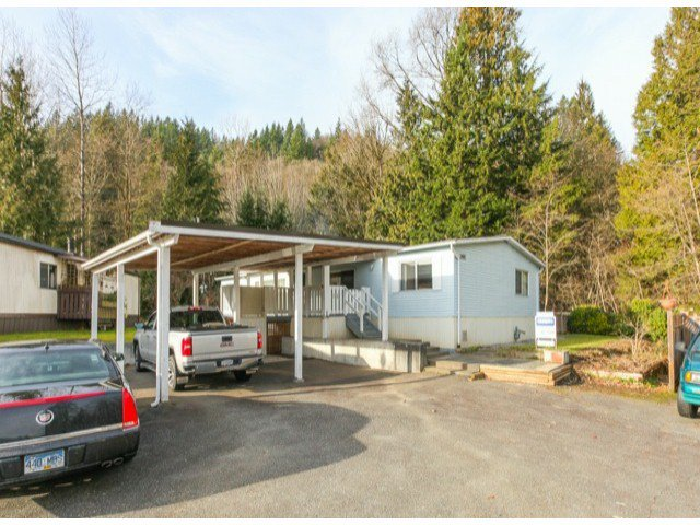 "Main Photo: 26 10221 WILSON Road in Mission: Stave Falls Manufactured Home for sale in ""TRIPLE CREEK ESTATES"" : MLS®# F1428351"