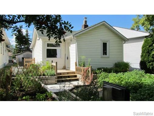 Main Photo: 1703 F Avenue North in Saskatoon: Mayfair Single Family Dwelling for sale (Saskatoon Area 04)  : MLS®# 546391