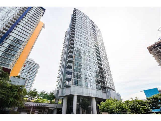 "Main Photo: 2501 131 REGIMENT Square in Vancouver: Downtown VW Condo for sale in ""SPECTRUM"" (Vancouver West)  : MLS®# R2005459"