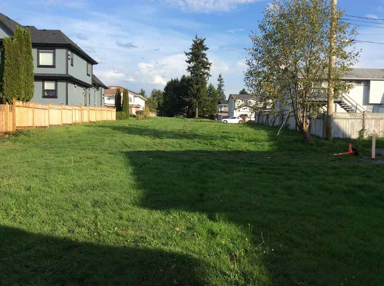 Main Photo: 14533 88 Avenue in Surrey: Bear Creek Green Timbers House for sale : MLS®# R2008408