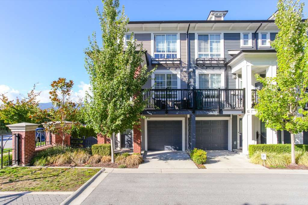 """Main Photo: 40 2423 AVON Place in Port Coquitlam: Riverwood Townhouse for sale in """"LINKS"""" : MLS®# R2106371"""
