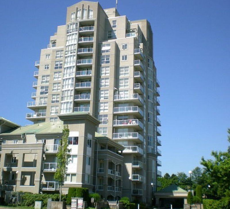 "Main Photo: 104 10523 UNIVERSITY Drive in Surrey: Whalley Condo for sale in ""GRANDVIEW COURT"" (North Surrey)  : MLS®# R2113669"