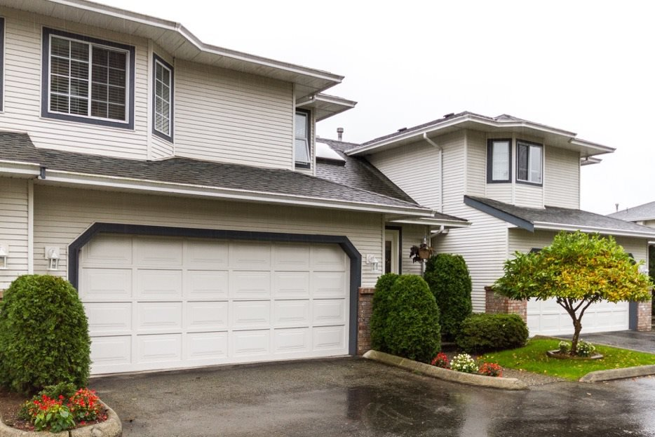 "Main Photo: 4 11534 207 Street in Maple Ridge: Southwest Maple Ridge Townhouse for sale in ""Brittany Court"" : MLS®# R2120344"