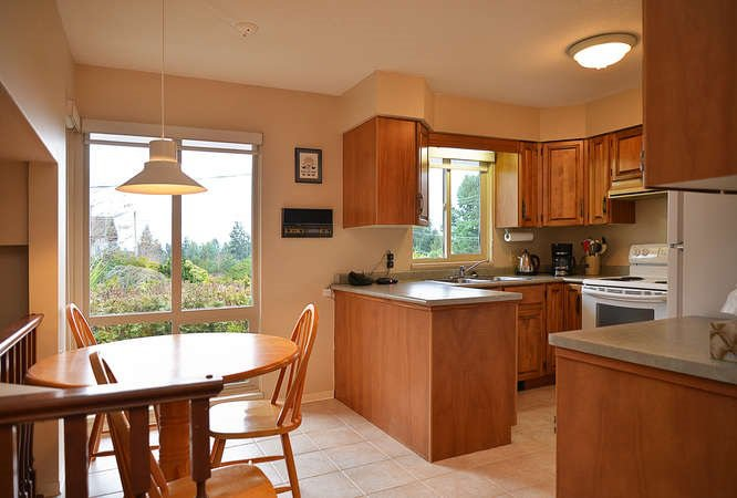 "Photo 11: Photos: 4746 FIR Road in Sechelt: Sechelt District House for sale in ""DAVIS BAY"" (Sunshine Coast)  : MLS®# R2132730"