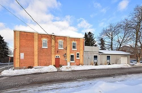 Main Photo: 1459 W Queen Street in Caledon: Alton Property for sale : MLS®# W3697081