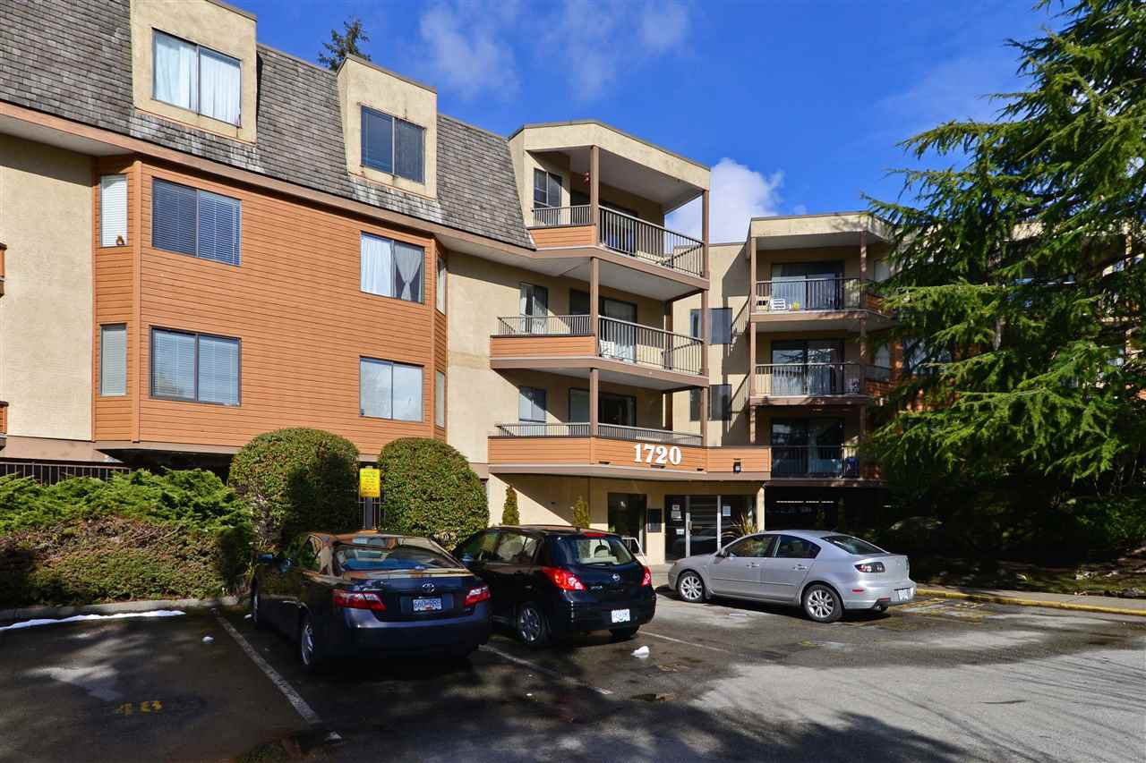 """Main Photo: 107 1720 SOUTHMERE Crescent in Surrey: Sunnyside Park Surrey Condo for sale in """"Spinnaker"""" (South Surrey White Rock)  : MLS®# R2143544"""