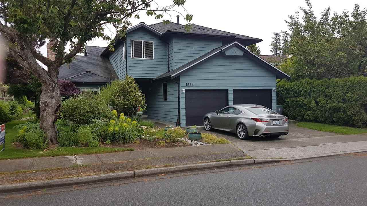 """Main Photo: 1834 SOUTHMERE Crescent in Surrey: Sunnyside Park Surrey House for sale in """"Southmere"""" (South Surrey White Rock)  : MLS®# R2170835"""
