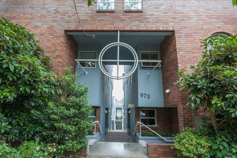 Main Photo: 5 973 W 7TH Avenue in Vancouver: Fairview VW Townhouse for sale (Vancouver West)  : MLS®# R2191384