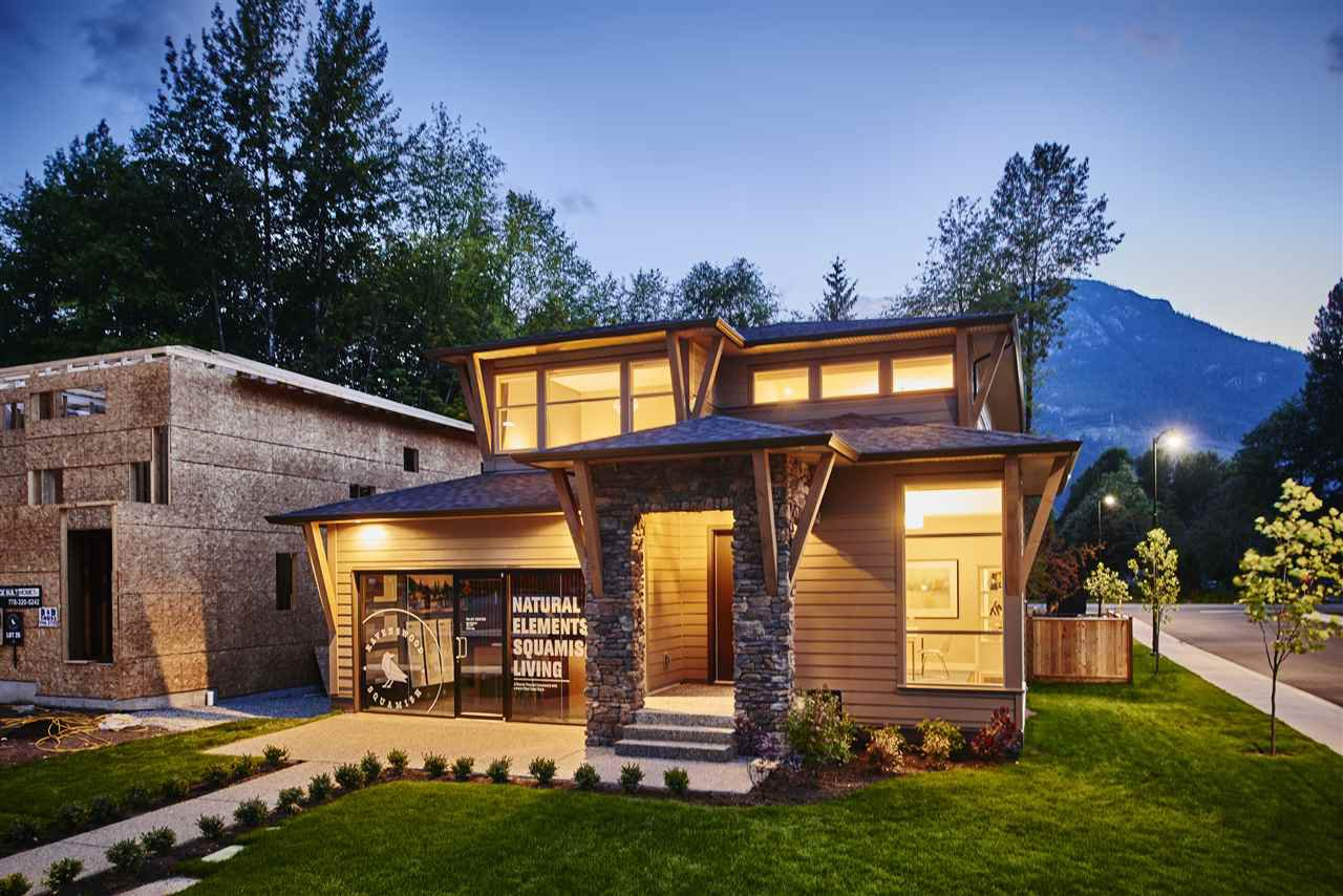 "Main Photo: 39294 MOCKINGBIRD Crescent in Squamish: Brennan Center House for sale in ""Ravenswood"" : MLS®# R2247719"