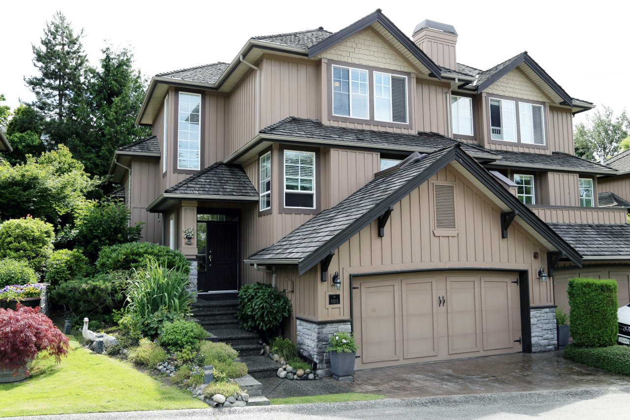 """Main Photo: 103 15350 SEQUOIA Drive in Surrey: Fleetwood Tynehead Townhouse for sale in """"The Village at Sequoia Ridge"""" : MLS®# R2286271"""