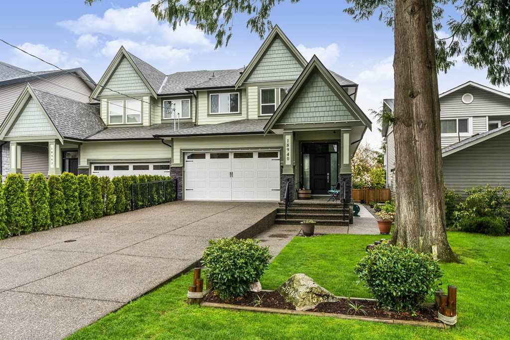 Main Photo: 18940 119 Avenue in Pitt Meadows: Central Meadows House 1/2 Duplex for sale : MLS®# R2358905