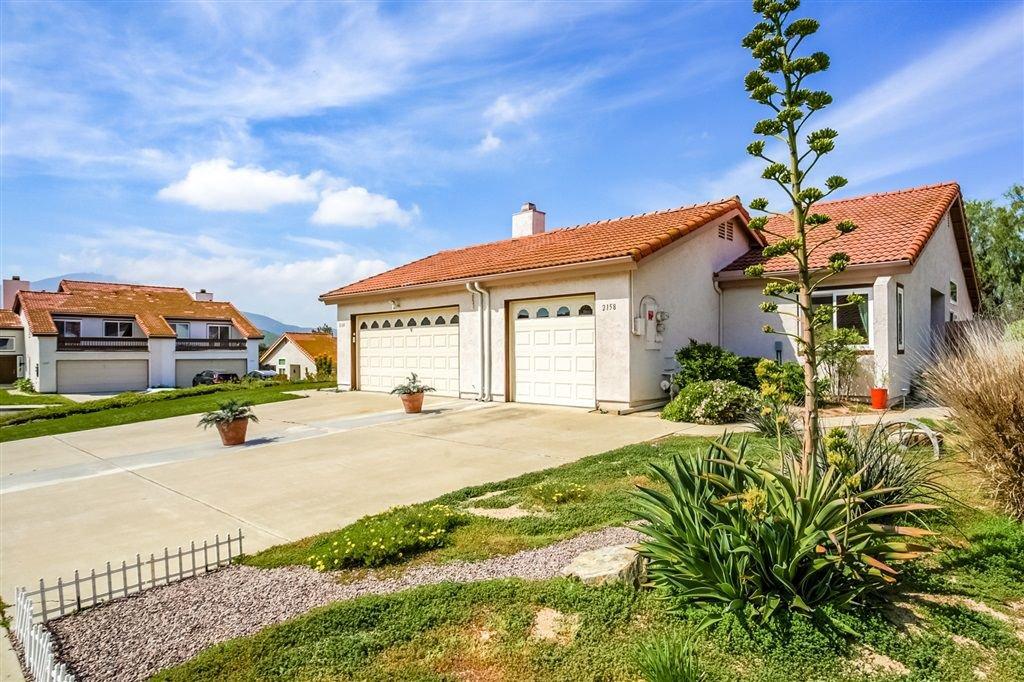 Main Photo: RANCHO SAN DIEGO Condo for sale : 2 bedrooms : 2158 Warwood Ct. in El Cajon