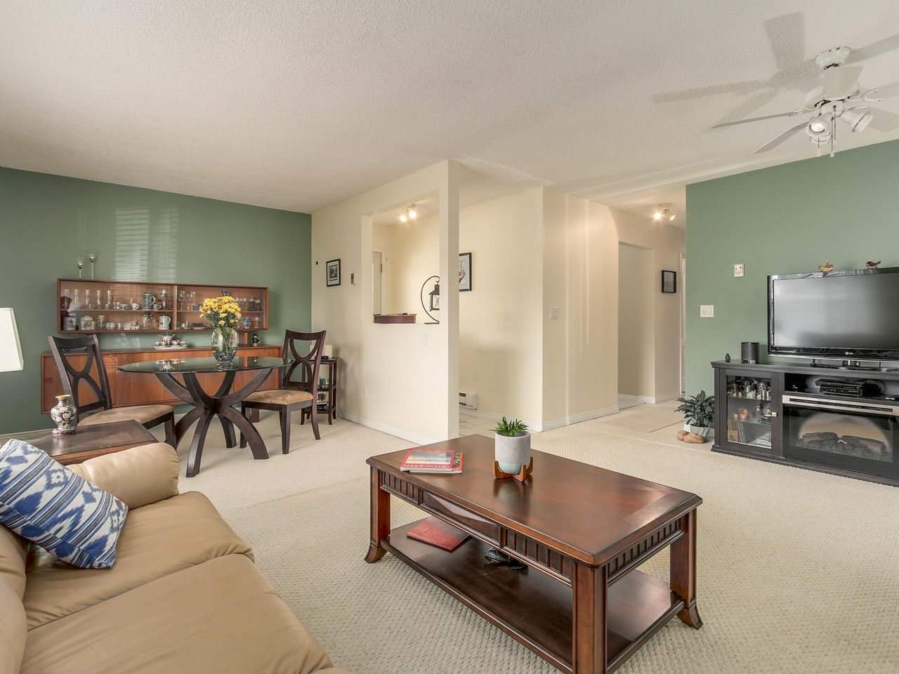 """Photo 4: Photos: 10550 HOLLYMOUNT Drive in Richmond: Steveston North House for sale in """"HOLLIES"""" : MLS®# R2366603"""