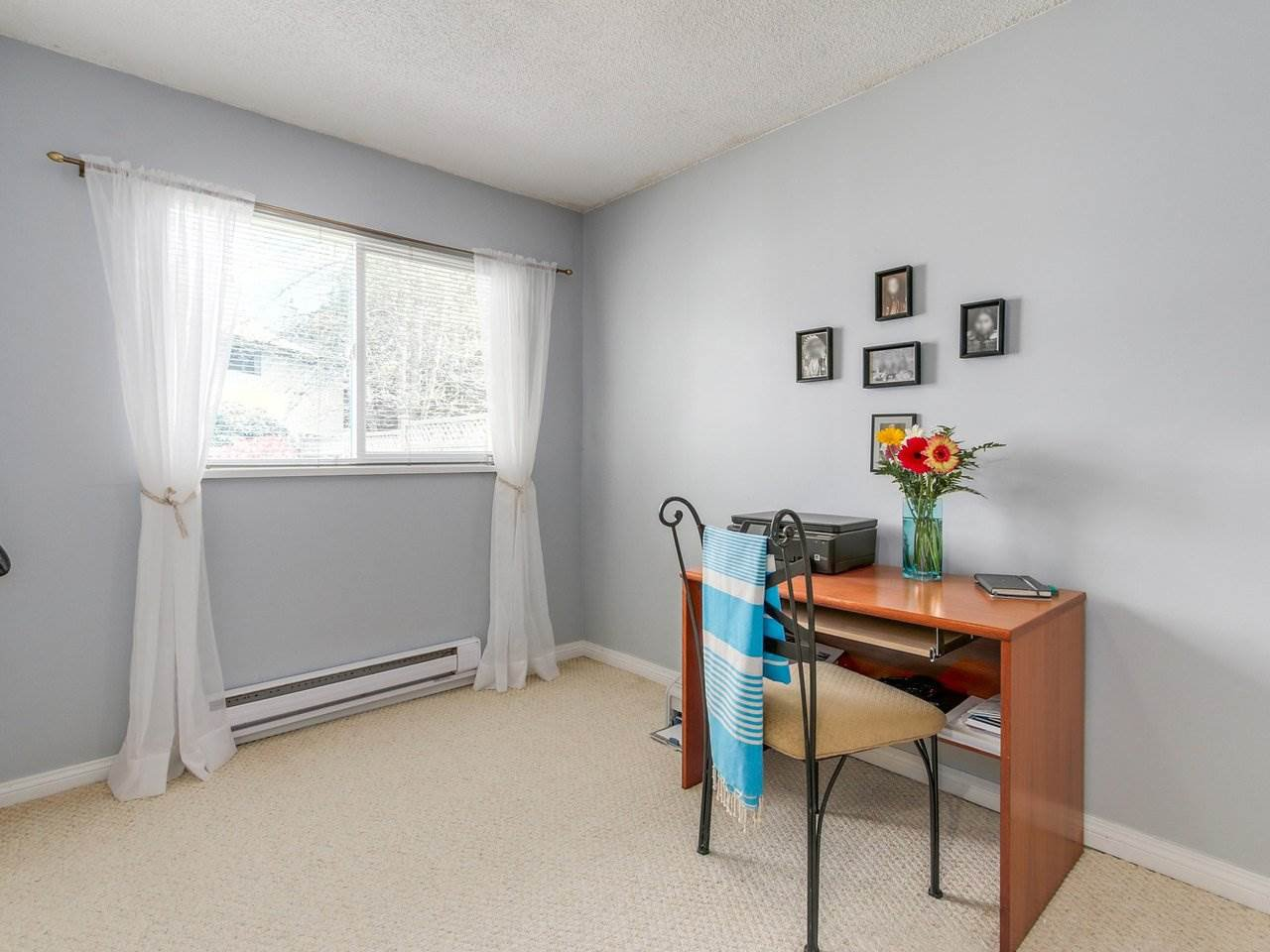 """Photo 13: Photos: 10550 HOLLYMOUNT Drive in Richmond: Steveston North House for sale in """"HOLLIES"""" : MLS®# R2366603"""