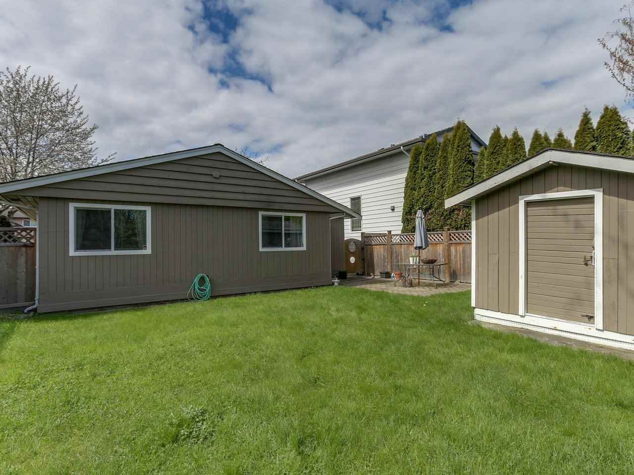 """Photo 15: Photos: 10550 HOLLYMOUNT Drive in Richmond: Steveston North House for sale in """"HOLLIES"""" : MLS®# R2366603"""