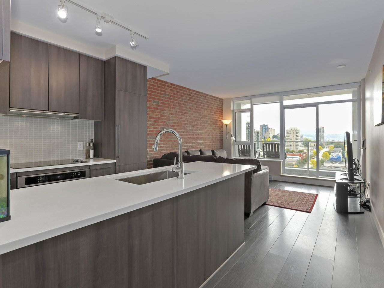 """Main Photo: 1908 668 COLUMBIA Street in New Westminster: Quay Condo for sale in """"Trapp & Holbrook"""" : MLS®# R2378796"""