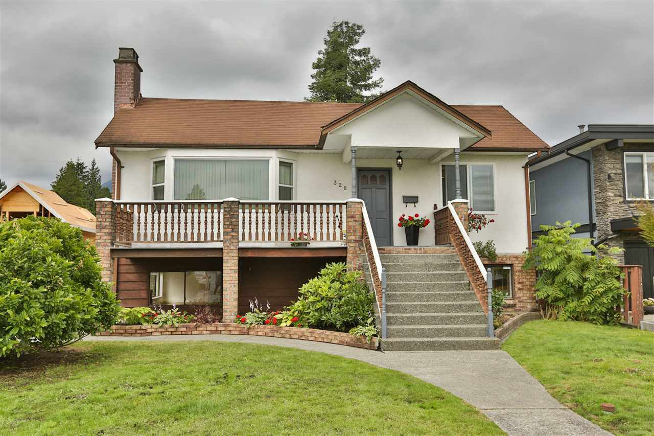Main Photo: 328 E 21ST Street in North Vancouver: Central Lonsdale House for sale : MLS®# R2385139
