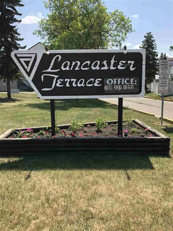 Main Photo: 295 LANCASTER Terrace in Edmonton: Zone 27 Townhouse for sale : MLS®# E4176560