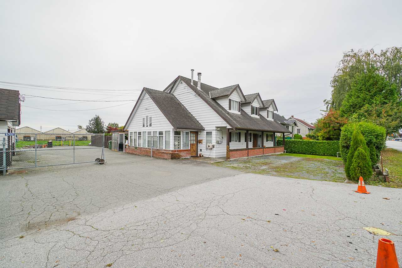 """Main Photo: 6240 STEVESTON Highway in Richmond: Gilmore House for sale in """"WESTWIND GREENHOUSES"""" : MLS®# R2510505"""