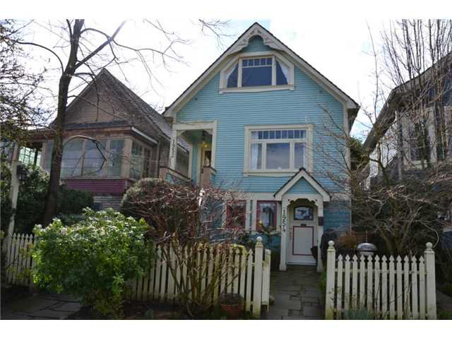 "Main Photo: 1952 W 2ND AV in Vancouver: Kitsilano House for sale in ""Kitsilano"" (Vancouver West)  : MLS®# V940242"