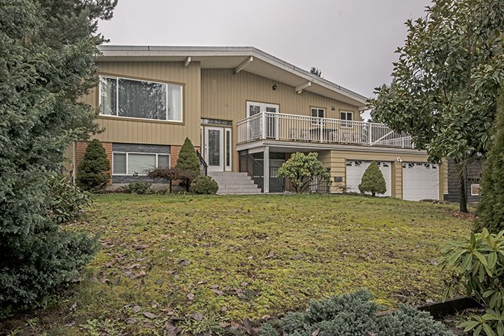 Photo 2: Photos: 3072 STARLIGHT Way in Coquitlam: Ranch Park House for sale : MLS®# R2027616