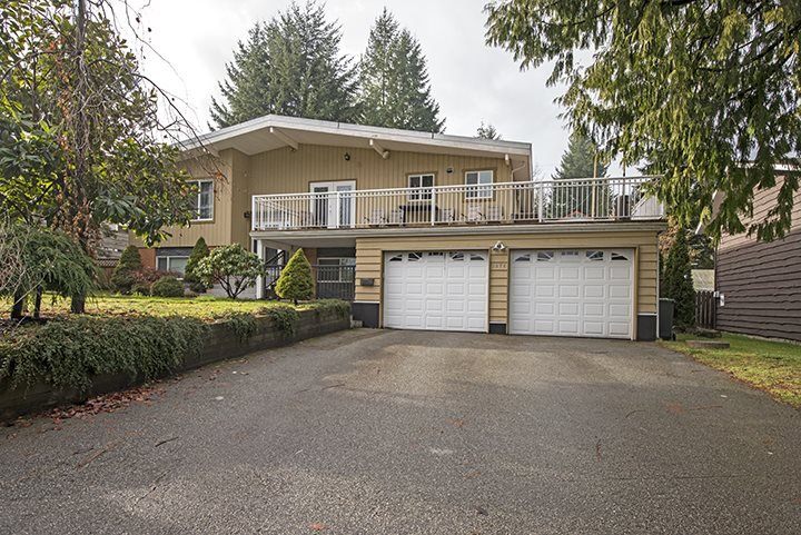 Photo 1: Photos: 3072 STARLIGHT Way in Coquitlam: Ranch Park House for sale : MLS®# R2027616