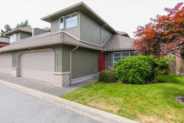 "Main Photo: 24 8560 162 Street in Surrey: Fleetwood Tynehead Townhouse for sale in ""LAKEWOOD GREEN"" : MLS®# R2076539"
