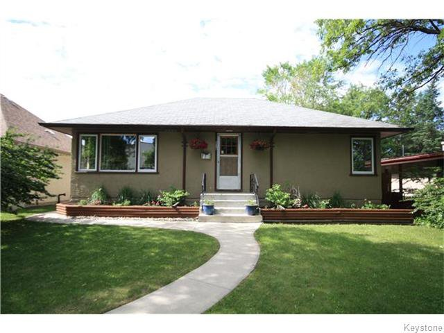 Main Photo: 287 Regal Avenue in Winnipeg: St Vital Residential for sale (South East Winnipeg)  : MLS®# 1615037