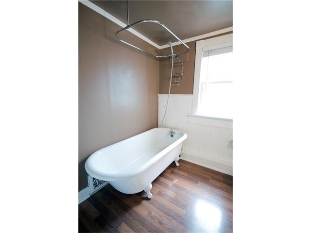 Photo 13: Photos: 929 1 Avenue NW in Calgary: Sunnyside House for sale : MLS®# C4069775