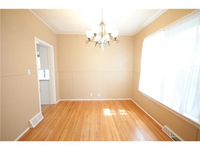 Photo 6: Photos: 929 1 Avenue NW in Calgary: Sunnyside House for sale : MLS®# C4069775