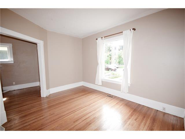 Photo 5: Photos: 929 1 Avenue NW in Calgary: Sunnyside House for sale : MLS®# C4069775