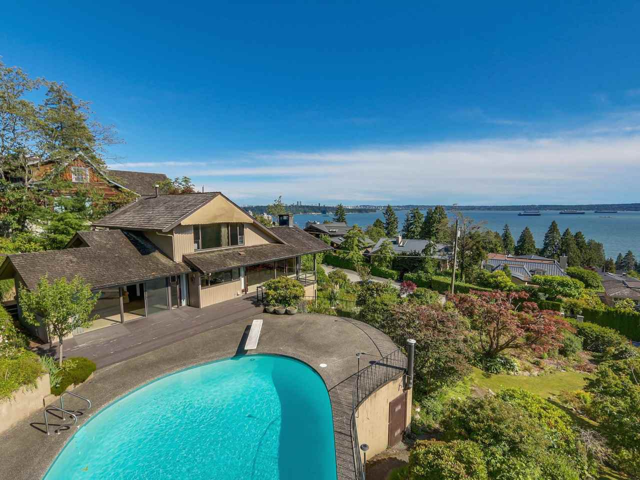 Main Photo: 2625 NELSON Avenue in West Vancouver: Dundarave House for sale : MLS®# R2087710