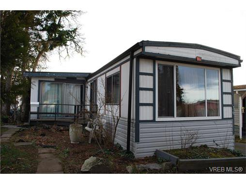 Main Photo: 36 1393 Craigflower Rd in VICTORIA: VR Glentana Manufactured Home for sale (View Royal)  : MLS®# 752982