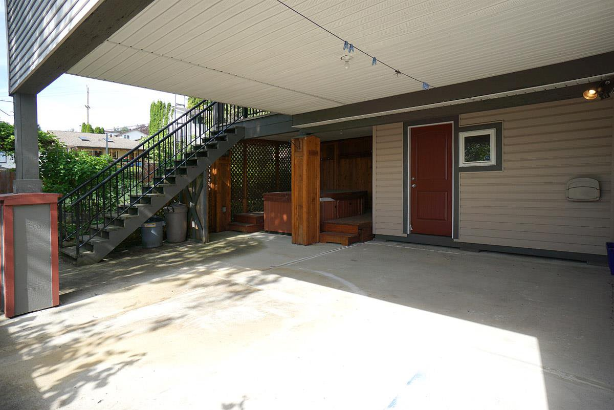 Photo 19: Photos: 1975 PETERSON AVENUE in Coquitlam: Cape Horn House 1/2 Duplex for sale : MLS®# R2174177