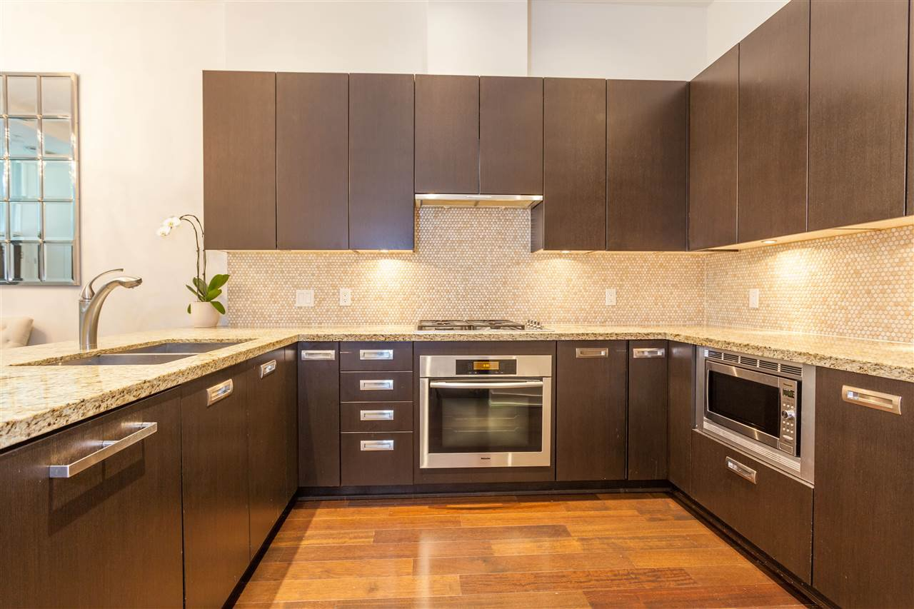 """Photo 5: Photos: 1051 RICHARDS Street in Vancouver: Downtown VW Townhouse for sale in """"DONOVAN"""" (Vancouver West)  : MLS®# R2198101"""