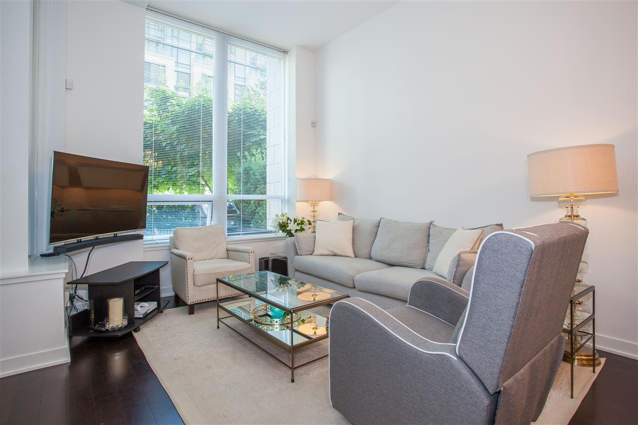 """Photo 2: Photos: 1051 RICHARDS Street in Vancouver: Downtown VW Townhouse for sale in """"DONOVAN"""" (Vancouver West)  : MLS®# R2198101"""