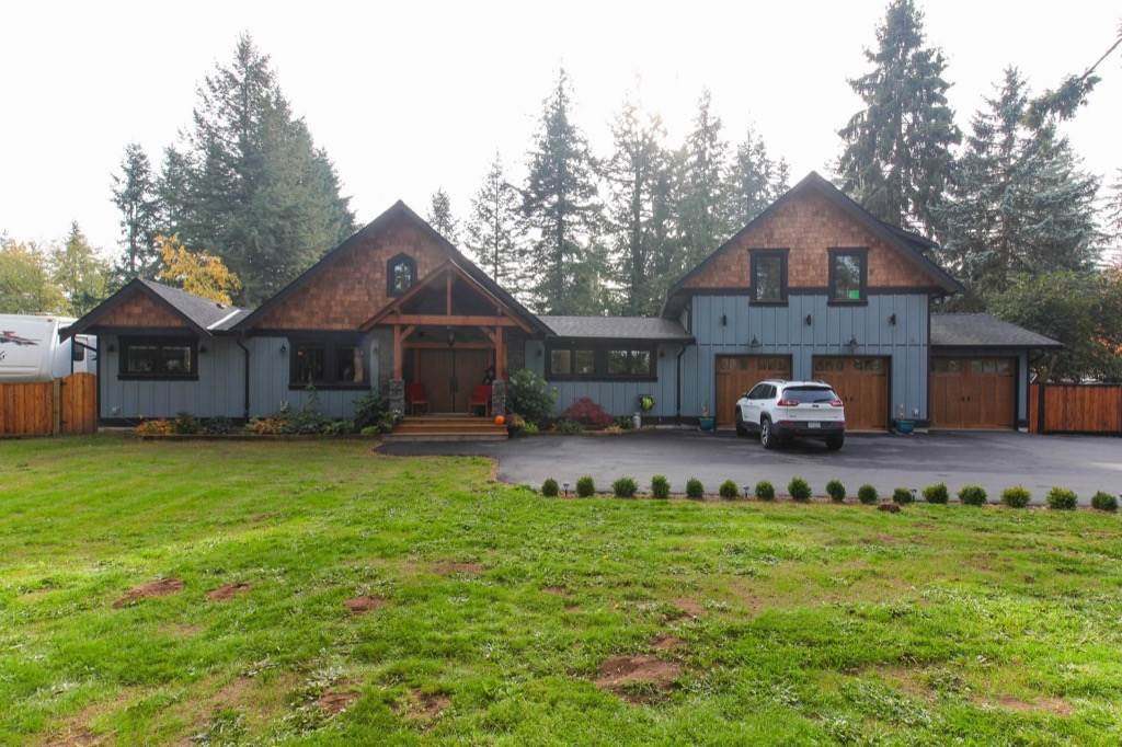 Main Photo: 24064 55 Avenue in Langley: Salmon River House for sale : MLS®# R2218741