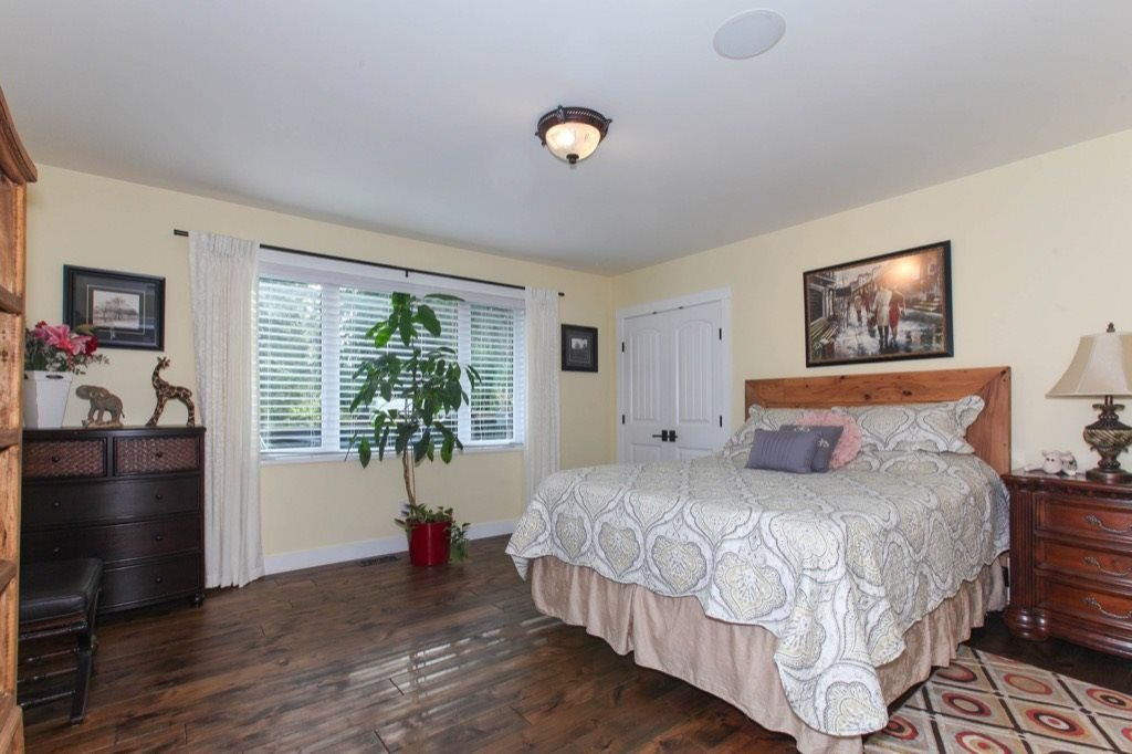 Photo 15: Photos: 24064 55 Avenue in Langley: Salmon River House for sale : MLS®# R2218741
