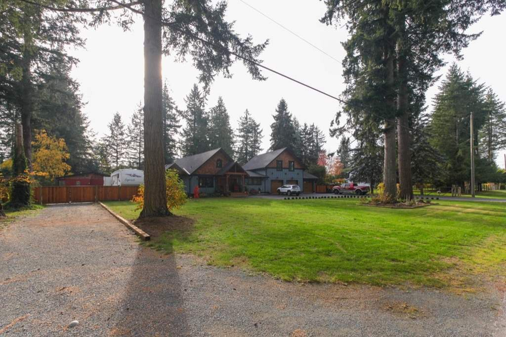 Photo 2: Photos: 24064 55 Avenue in Langley: Salmon River House for sale : MLS®# R2218741