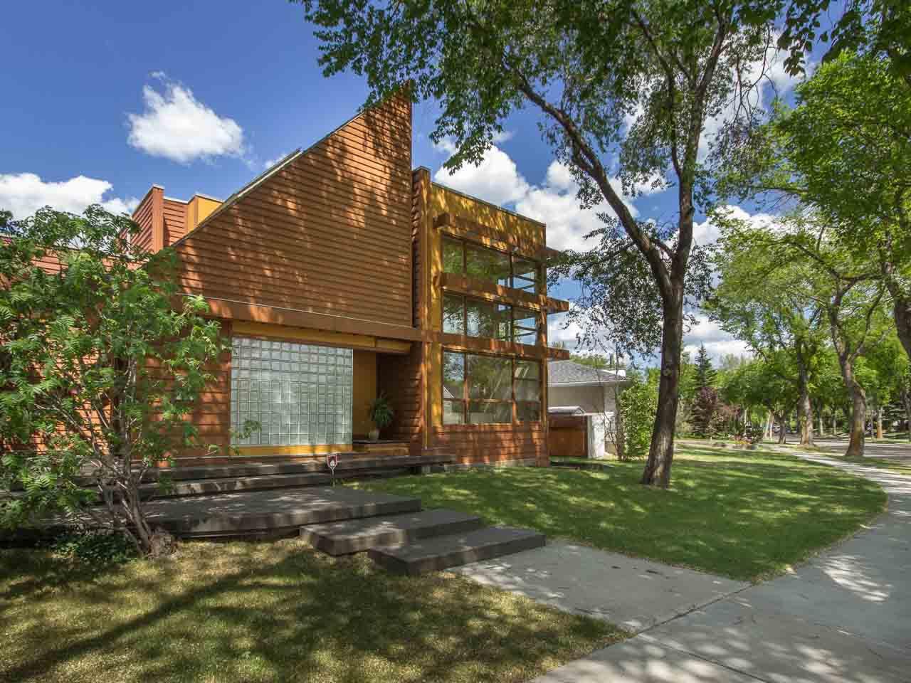 Main Photo:  in Edmonton: House for sale : MLS®# E4022342