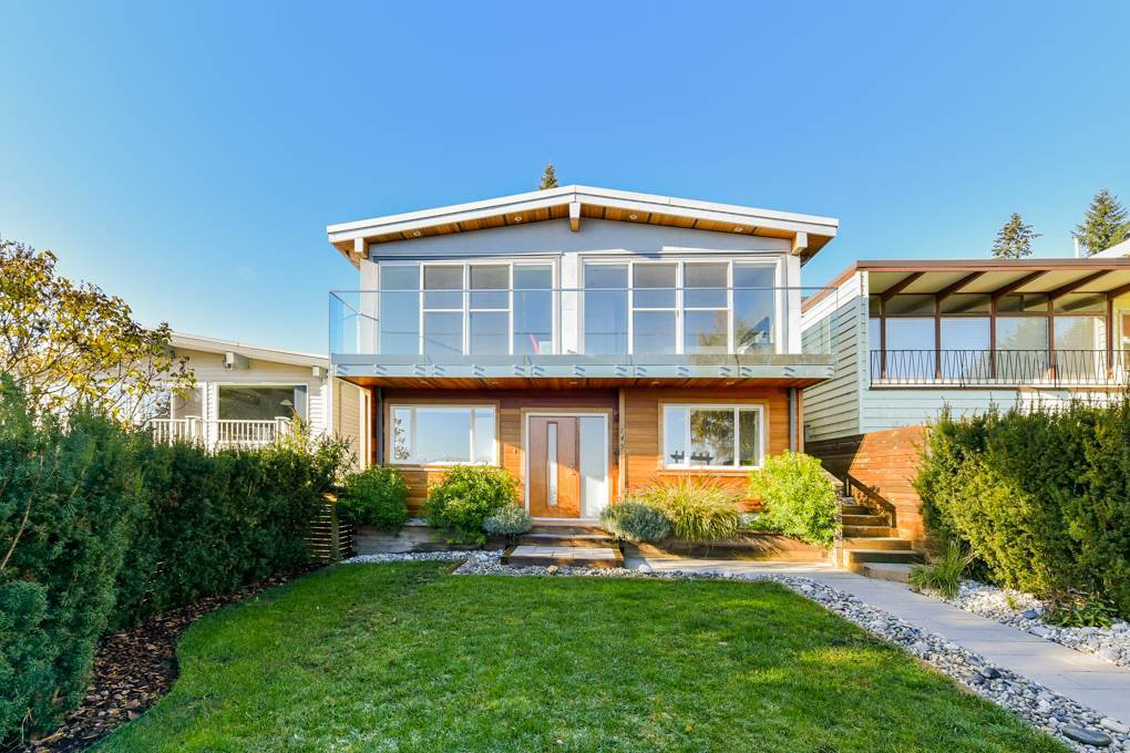 Main Photo: 145 N ELLESMERE Avenue in Burnaby: Capitol Hill BN House for sale (Burnaby North)  : MLS®# R2324862