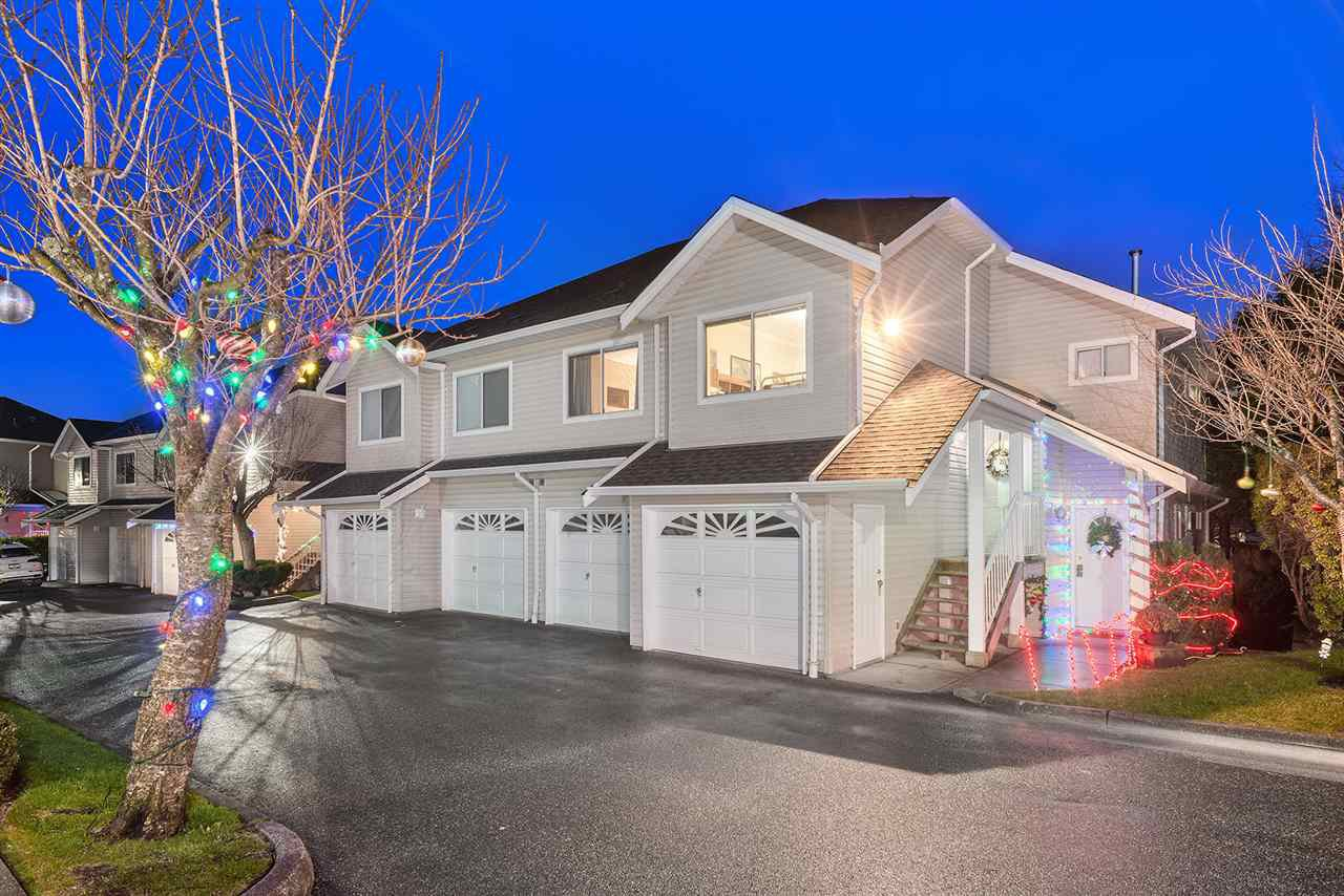"Main Photo: 20 11588 232ND Street in Maple Ridge: Cottonwood MR Townhouse for sale in ""COTTONWOOD VILLAGE"" : MLS®# R2328444"